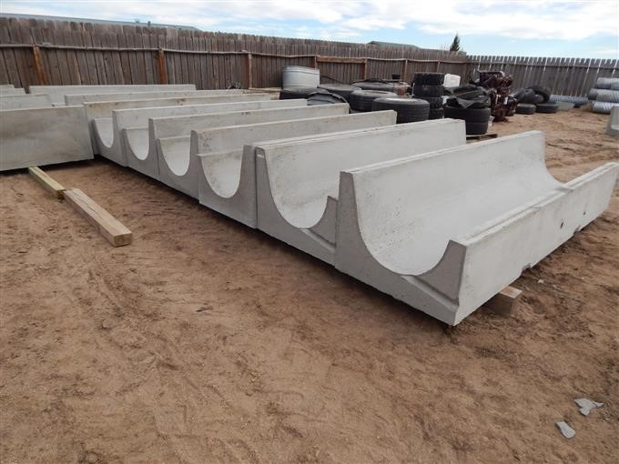 Peters Precast Bunks Large Round Bottom Concrete Feed