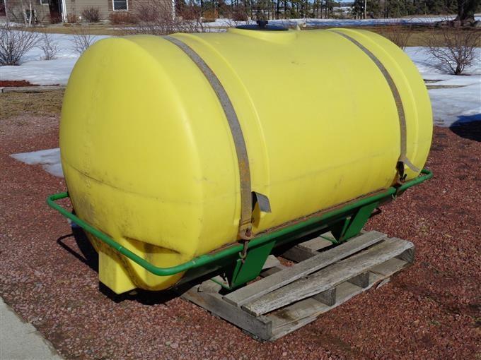 400 Gallon Poly Tank & Base Bracket Sprayer Tank BigIron