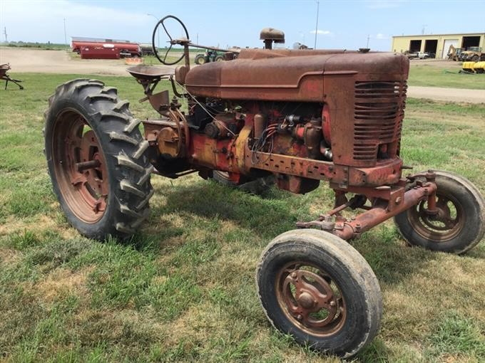 Farmall M 2WD Tractor BigIron Auctions