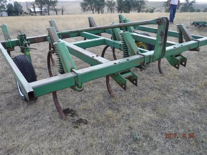 John Deere 1600 3 Point Spring Tooth Chisel Plow Ripper