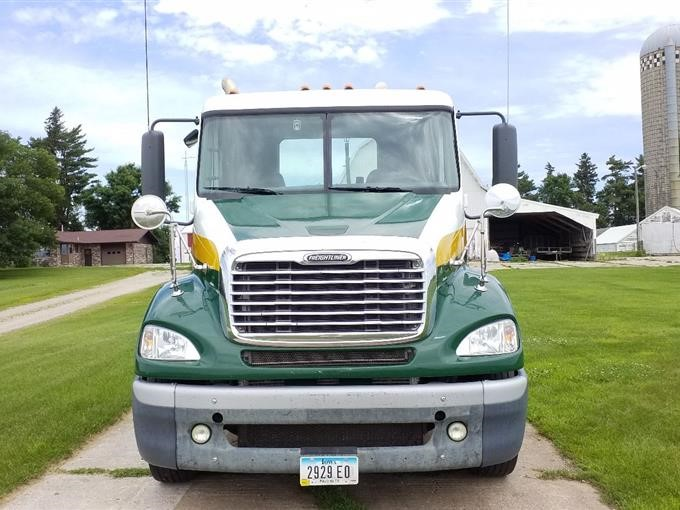 2009 Freightliner Columbia T/A Truck Tractor BigIron Auctions