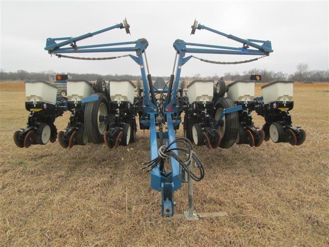 Kinze 3200 12 Row Front Fold No Till Planter Bigiron Auctions