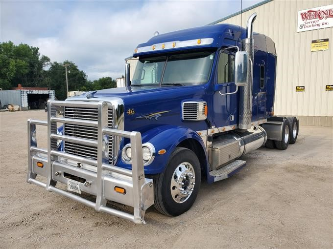2015 Freightliner Coronado CC132 (Kitted) Pre-Emission T/A