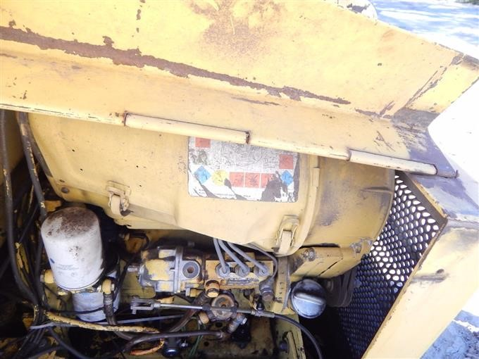 1984 New    Holland    L775    Skid       Steer    BigIron Auctions
