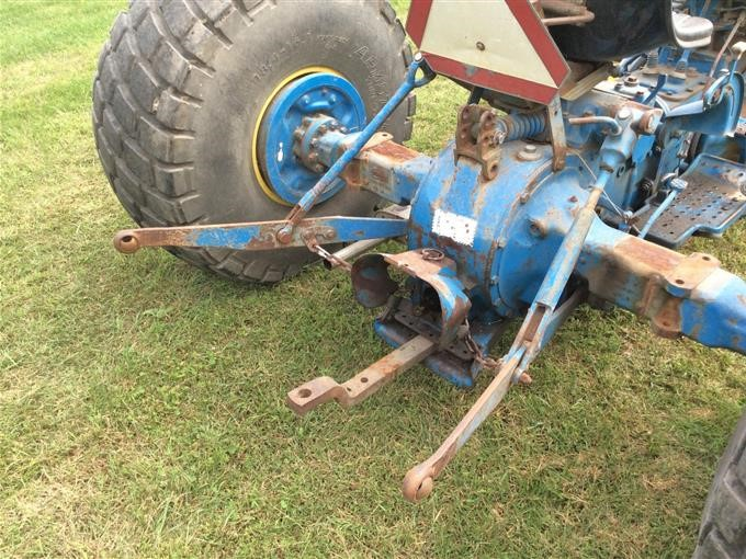 Ford 2110 Lcg 2wd Tractor Bigiron Auctions