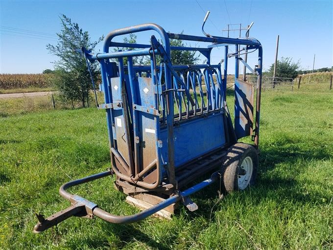 Priefert 81 Cattle Squeeze Chute With Headgate Bigiron