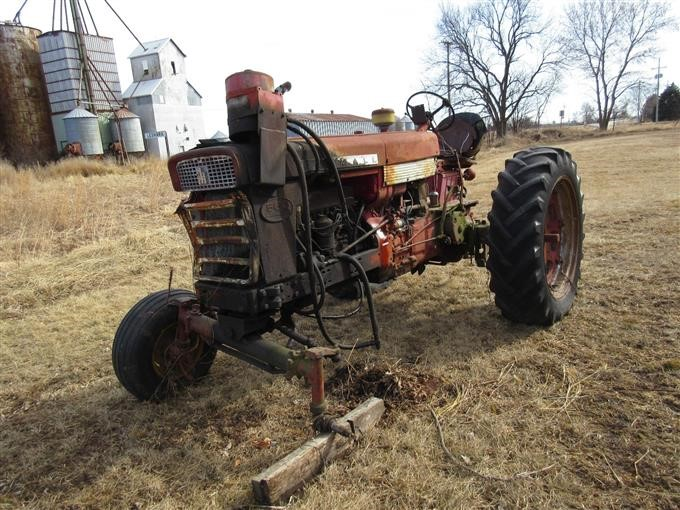 Farmall 560 2WD Tractor For Parts BigIron Auctions on