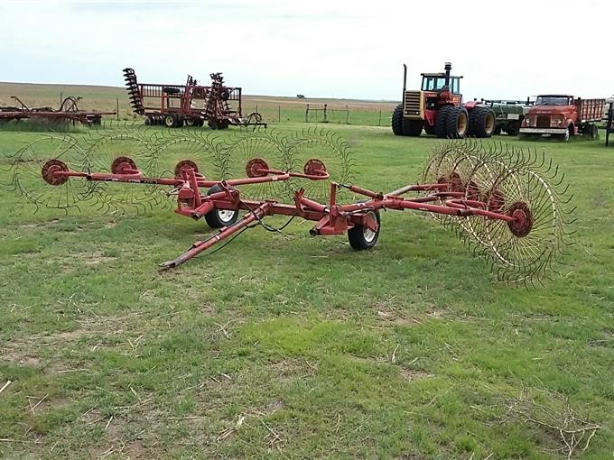 Gehl 420 10 Wheel Hay Rakes Bigiron Auctions