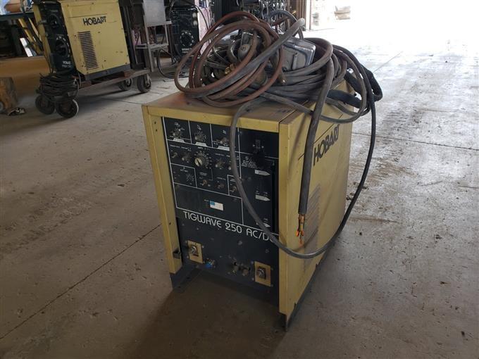 Hobart Tig Welder >> Hobart Tig Wave 250 Ac Dc Tig Welder Bigiron Auctions