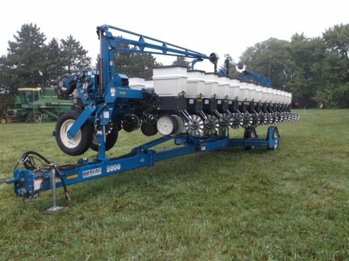 2006 Kinze 3600 16 31 Twin Row Pivot Fold Planter Bigiron Auctions