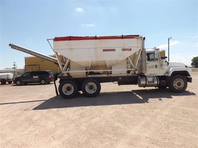 Mack Truck Fertilizer : Bigiron