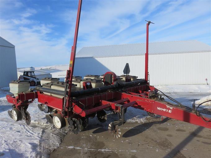 White 6100 4 Row With Model 6900 5 Row Splitter Planter Bigiron Auctions