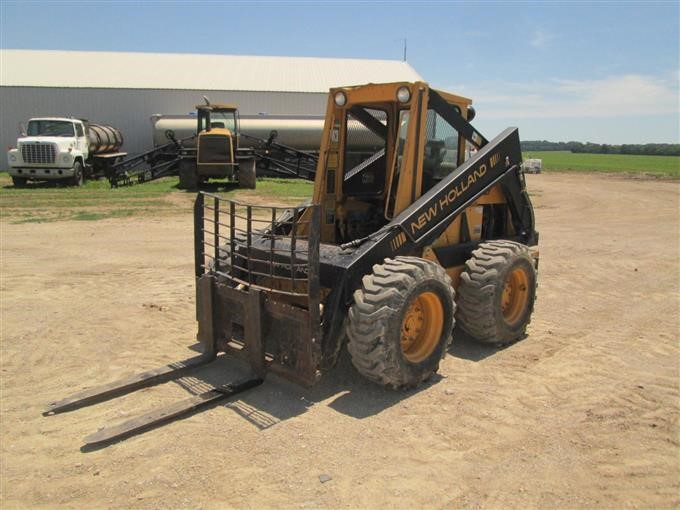 New holland l785 hydraulic specs | Considering an older New