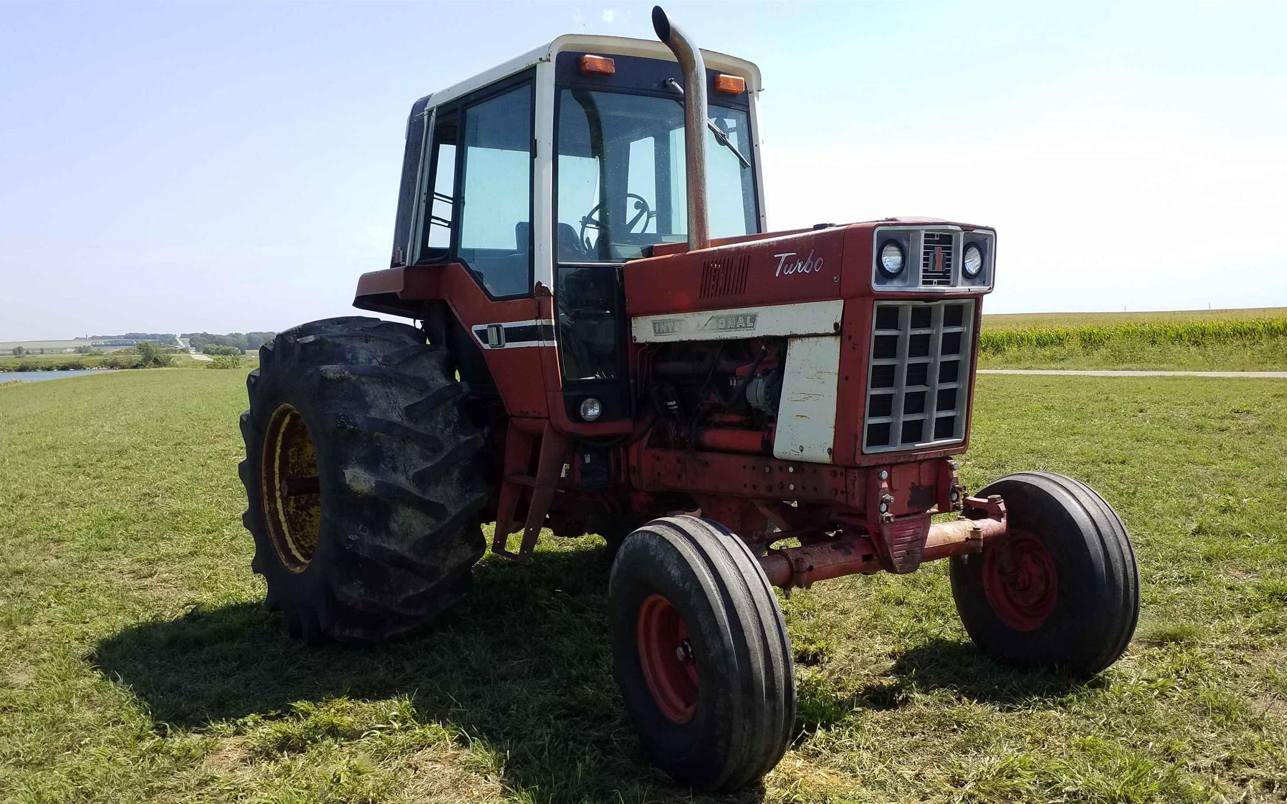 1977international14862wdtractor-9_a67ad40f34d24b87ab983012c533412e.jpg