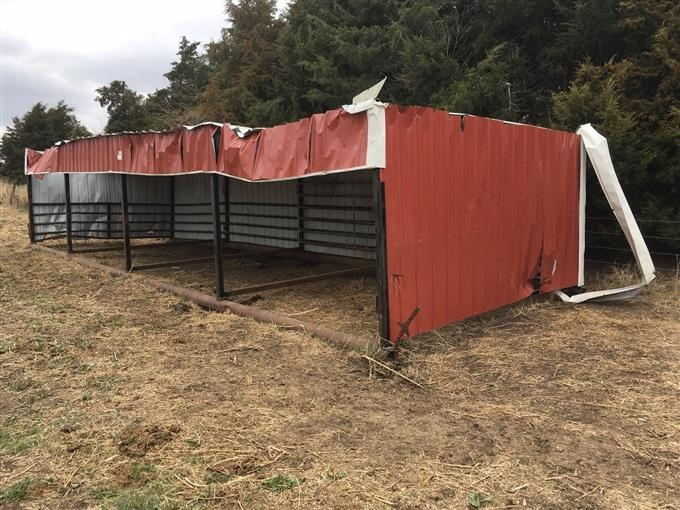 Portable Calf Sheds : Mcm larsen portable calving shed on skids bigiron auctions