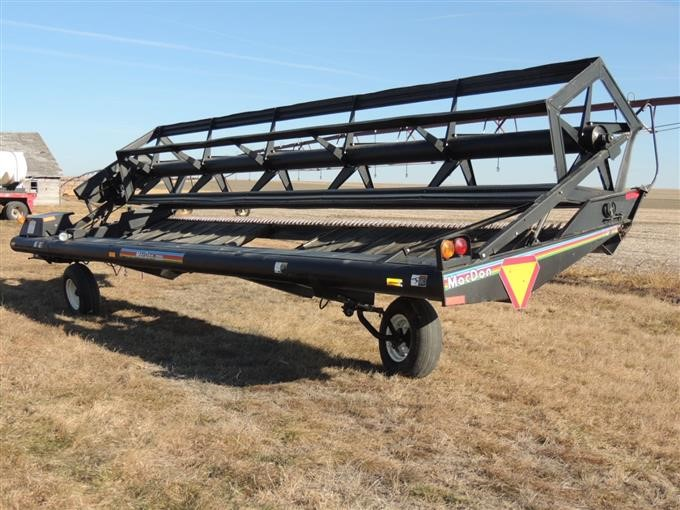 1995 MacDon 3000 Pull-Type Draper Swather BigIron Auctions