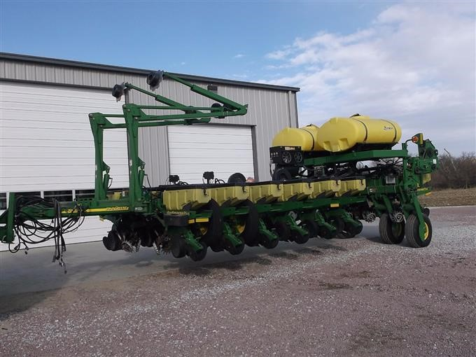 2002 John Deere 1770 Nt Maxemerge Plus 16 Row Planter Bigiron Auctions