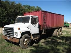 1980 International S1800 Grain Truck