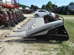 2005 Gleaner 3000-8 Header