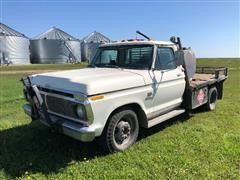 1975 Ford F350 Flatbed Pickup