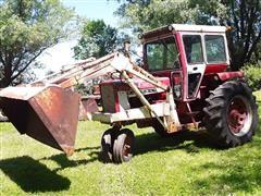 1965 Farmal/International 706 2wd Tractor W/Loader