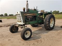 1967 Oliver 1850 2WD Tractor (INOPERABLE)