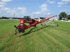 2015 Farm King 1070 Auger W/Swing Hopper