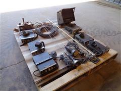 Midland Craig, Surveyor& Audio Vox 23-Channel CB Radios & Fender Mount AM/ FM Radios