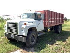 1978 International Loadstar 1700 S/A Grain Truck