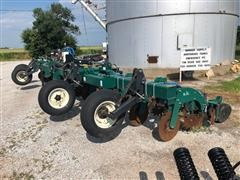 Moore-Built Strip Cat 12-30 Strip Till/Ammonia Machine