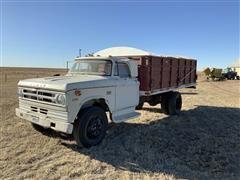 1972 Dodge D600 Grain Truck