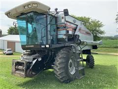 1996 Gleaner R52 Combine