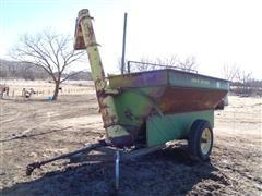 John Deere 310 Front Auger Feeder Wagon