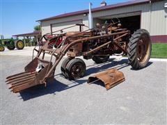 1942 International Harvester Farmall H 2WD Tractor W/Horn Loader