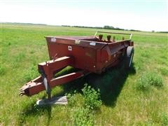 International 540 Manure Spreader