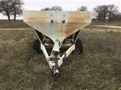 Willmar 500 Pull Type Dry Fertilizer Applicator