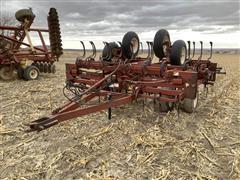 Kewanee 490 Integrator 3 20' Field Cultivator