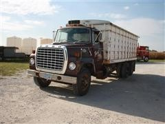 1979 Ford LNT700 T/A Grain Truck