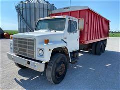 1988 International 1954 T/A Silage/Grain Truck