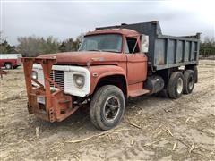 1969 Ford F800 T/A Dump Truck