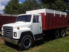 1979 International S Series 1824 Grain Truck