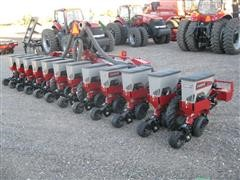 2014 Case IH 1235 Vacuum Stack Fold Mounted Planter