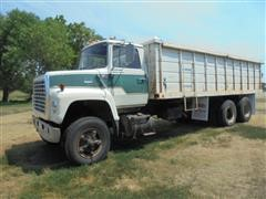 1976 Ford LT8000 T/A Grain Truck