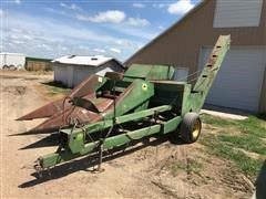 John Deere 300 2-Row Pull-Type Corn Picker