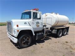 1981 Ford 800 T/A Water Truck