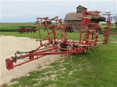 Wil-Rich Noble 2500 Field Cultivator