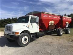 1999 International Navistar 4900 T/A Seed Tender Truck