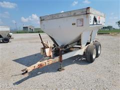 Willmar 500 Pull-Type Fertilizer Cart