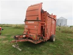 Hesston SH 10 Hay/Cornstalk Stack Machine