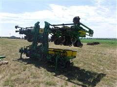 1998 John Deere 1720 Stack-N- Fold Max Emerge Plus Vacumeter Planter